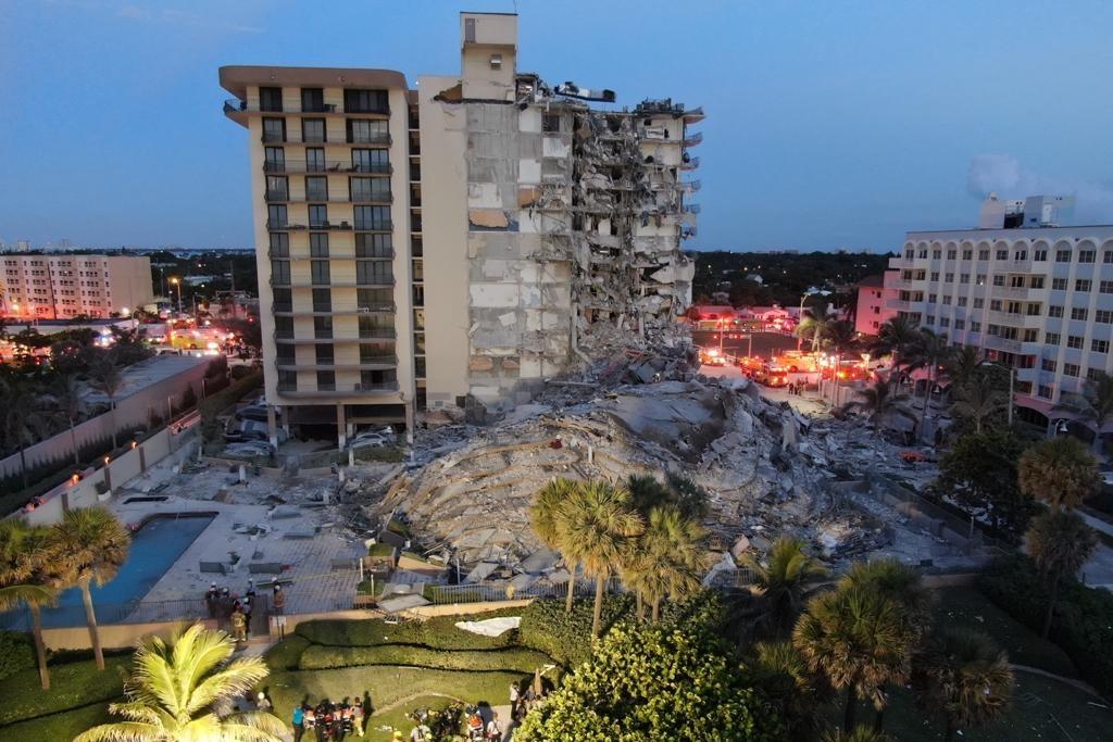 colapsa edificio en miami muertos
