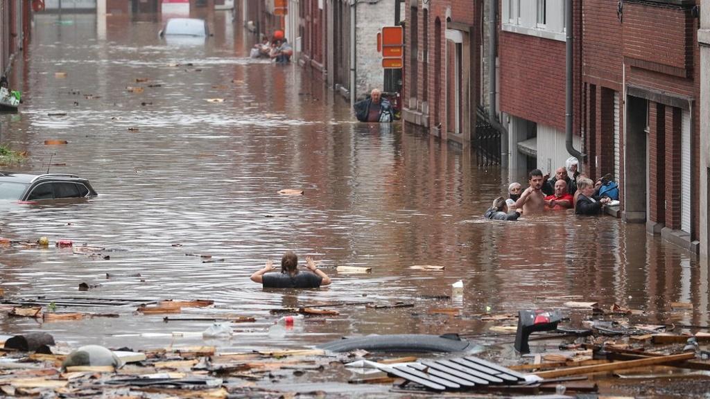 Reportan más de mil 300 desaparecidos en Alemania tras inundaciones